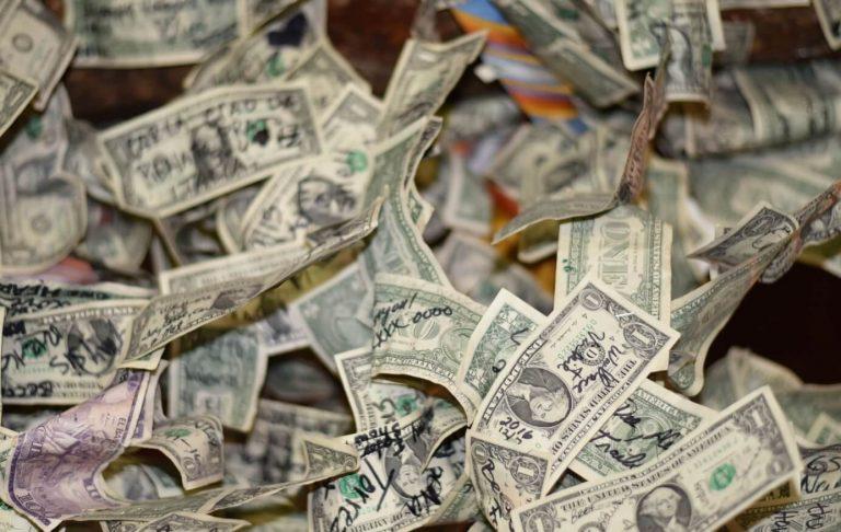תרומות - הלבנת הון